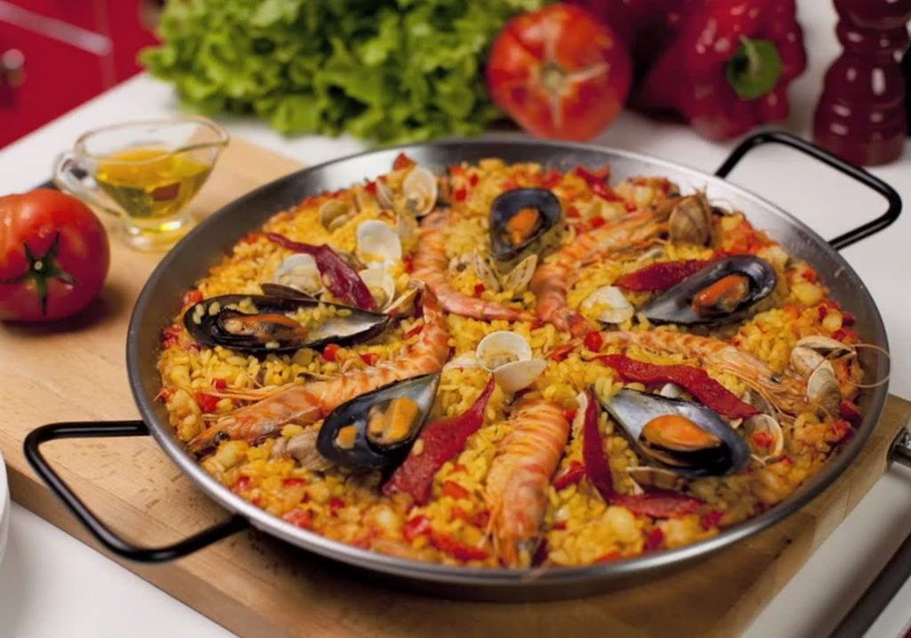 Paella de Marisco - Best things to do in Valencia
