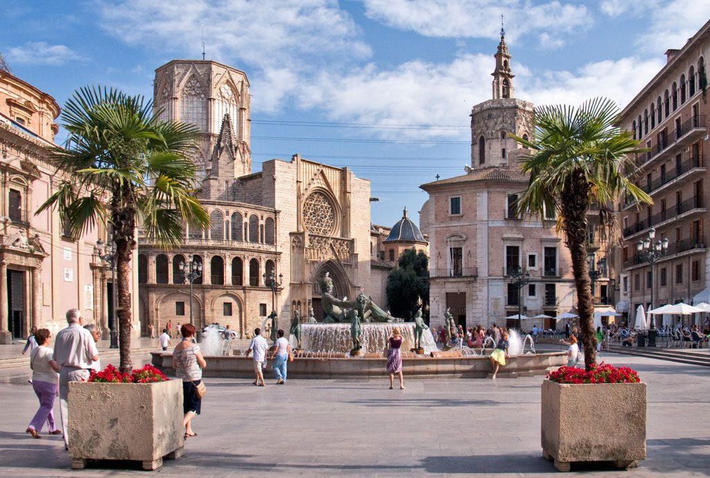 Plaza de la Virgen - Best things to do in Valencia